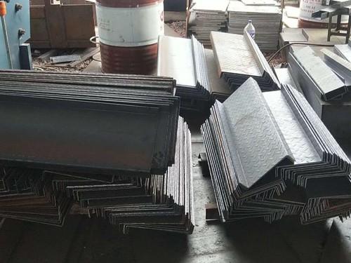 点赞公司为了拓展公司的业务量,开设了点赞钢铁加工厂