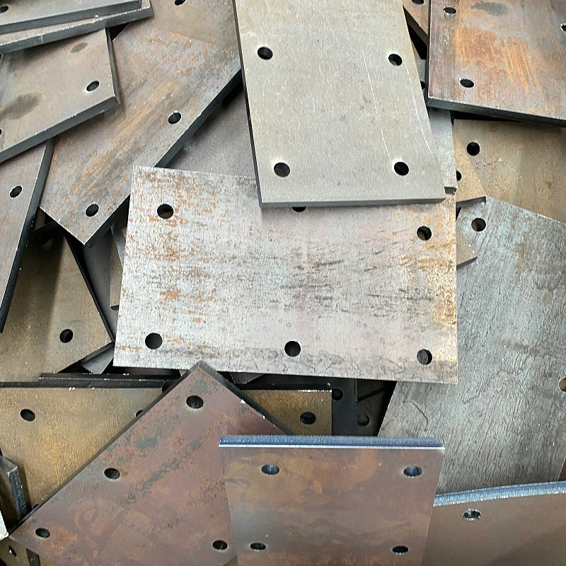 普通的现在钢板多少钱一吨