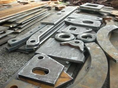 郑州钢板折弯加工哪里有 点赞钢铁17年专注钢板加工贸易