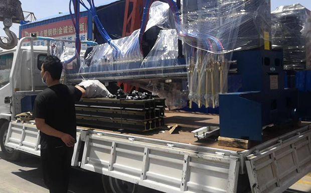 17年郑州钢板切割厂家 点赞钢铁 新增神兽一只
