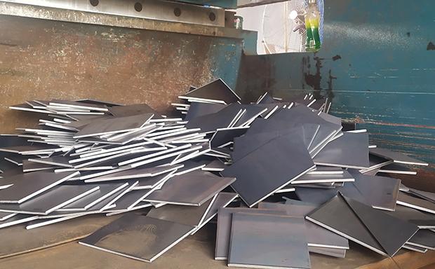 郑州钢板切割加工厂选点赞钢铁 16年行业经验
