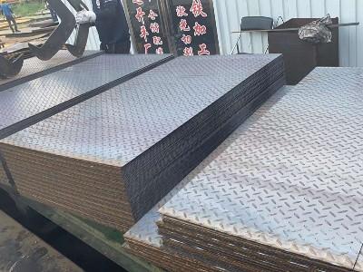 """进入""""银十""""花纹钢板规格及价格"""