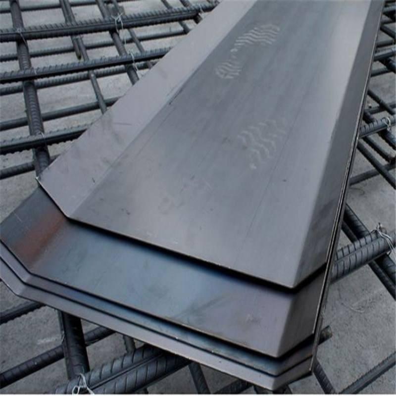 3个厚的止水钢板